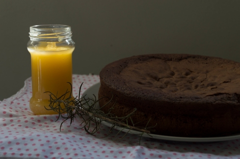 chocolate cake +lemon curd