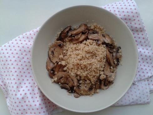 couscous espelta com cogumelos