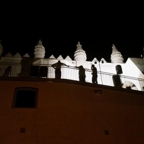 Igreja em noite de canto